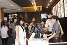 Giới trẻ nô nức đến cửa hàng thứ 3 McDonald's tại TP.HCM