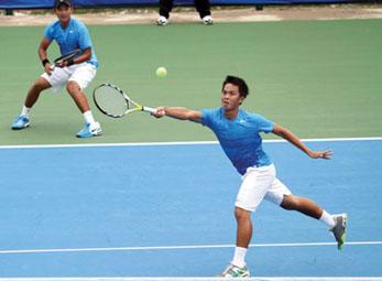 Giải quần vợt nhà nghề Men's Futures 2012: Đôi Quân - Khánh vào tứ kết