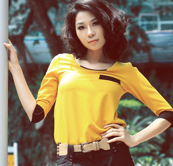 """Ảnh """"độc"""" của người mẫu Hồng Hà bán dâm giá 1.000 USD"""