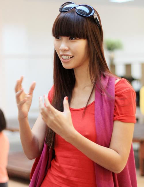 Kiều nữ Việt chọn tóc mái ngố xì tin