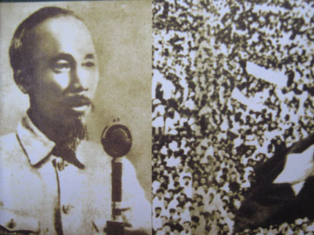 """Chủ tịch Hồ Chí Minh: """"Tôi nói đồng bào nghe rõ không""""  & tư tưởng lấy dân làm gốc"""