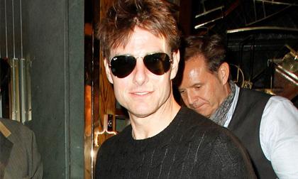 """Tom Cruise """"lột xác"""" trở thành quý ông 'độc thân vui vẻ'!"""