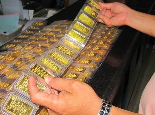 Tác động của chính sách quản lý thị trường vàng lên giá vàng - ngoại hối