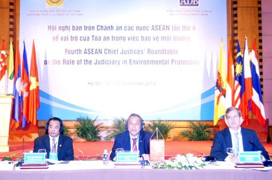 Khai mạc Hội nghị bàn tròn Chánh án các nước ASEAN lần thứ 4