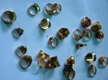 Vụ cướp tiệm vàng ở Bình Dương: Bắt thêm 'nữ quái' mang 24 nhẫn vàng đi bán