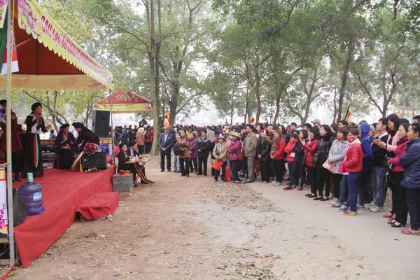 Dòng người nườm nượp đổ về Hội Lim trẩy hội