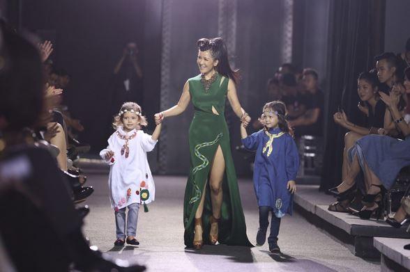 Khi sao Việt đưa con lên sàn diễn thời trang