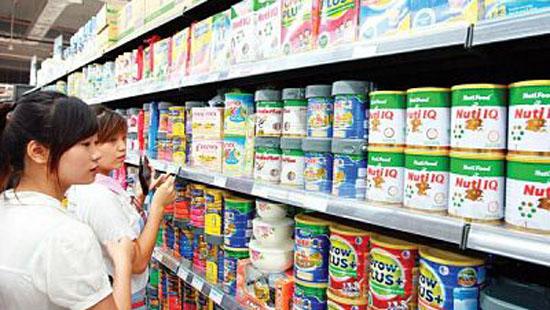 Đồng loạt áp dụng quy định bình ổn giá sữa cho trẻ em dưới 6 tuổi