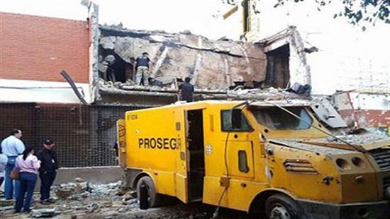 Paraguay: Cảnh sát đấu súng dữ dội với 80 tên cướp