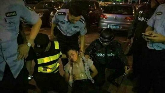 Trung Quốc: Người đàn ông điên cuồng cầm dao tấn công hàng loạt người trong siêu thị