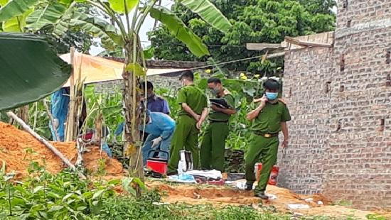 Bắc Giang: Hai cha con rơi xuống hầm biogas tử vong